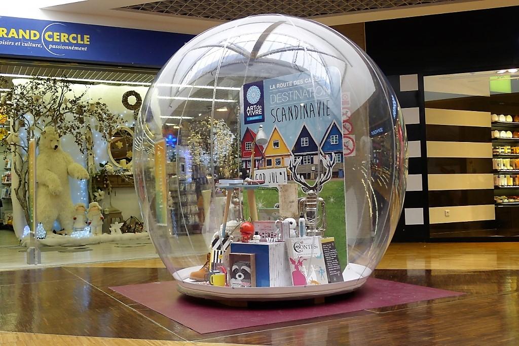 Vitribulles gonflables Agence de voyage Grand cercle